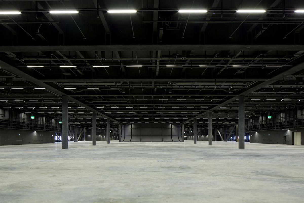 empty-hall-baselworld