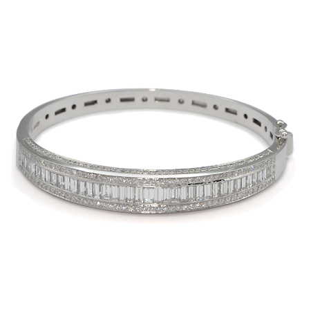 Diamond Bangle in White Gold