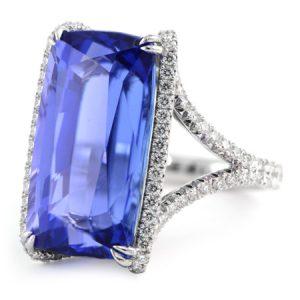Tanzanite & Diamond Ring in White Gold