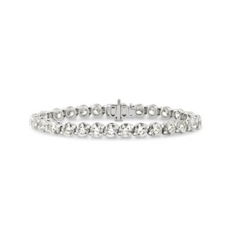 Platinum tennis bracelet with round diamonds