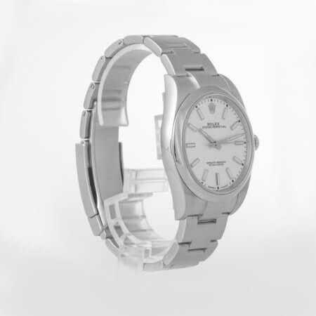 Rolex Oyster Perpetual 39 ref. 114300 pre-owned watch