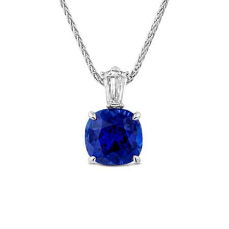 Blue-Sapphire-Pendant