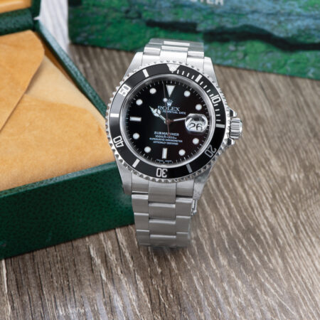 Pre-Owned Rolex Submariner Date