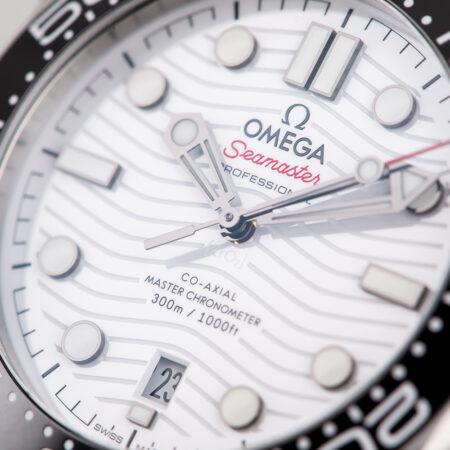Omega Seamaster Diver 300m White Dial